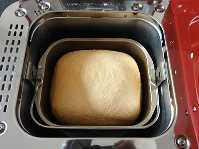 あきたこまちお米食パンの焼き上がり