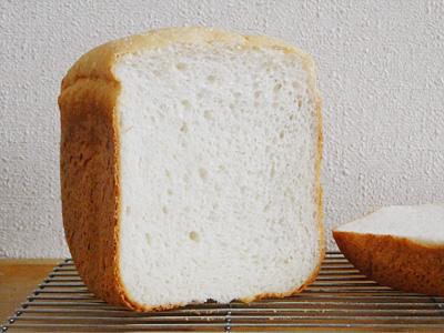 あきたこまちお米食パンの断面