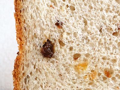 ぶどうのお米食パンの断面