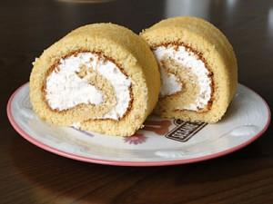 キャラメルロールケーキ