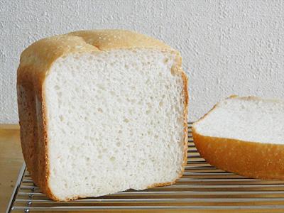 GOPANの白神こだま酵母お米食パン断面。膨らみが安定しているのできめ細やかです
