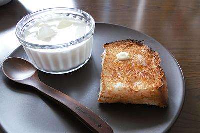 ふさこがねお米食パンをこんがりトースト