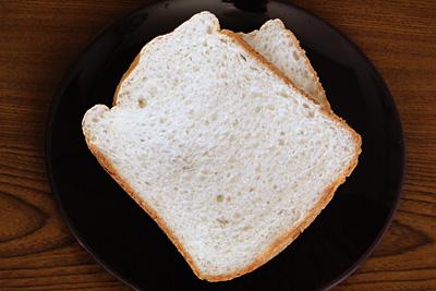 まっしぐらお米食パンは弾力があって甘いのが特徴