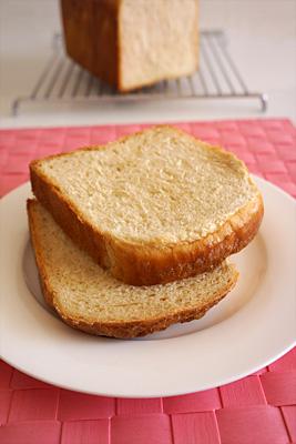 ホシノ天然酵母のブラウンシュガー食パンの断面