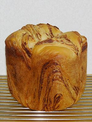GOPANのミルクカフェモカ・マーブル食パン