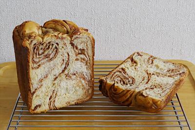 GOPANのミルクカフェモカ・マーブル食パンの断面