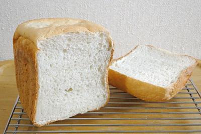 朱鷺と暮らす郷づくり認証米お米食パンの断面