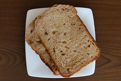GOPANのパネトーネマザーくるみ黒糖食パンをスライス
