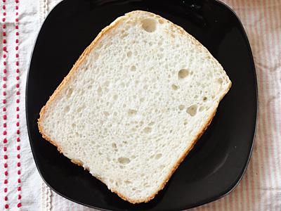 夢しずくお米食パンのスライス。「もっちもち」に誰もが驚きます。