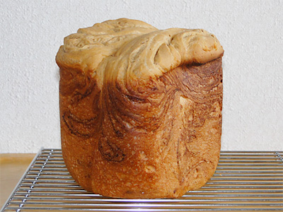 GOPANのコーヒーとミルクのマーブル食パン