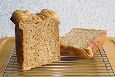 GOPANのコーヒーとミルクマーブル食パンの切り口