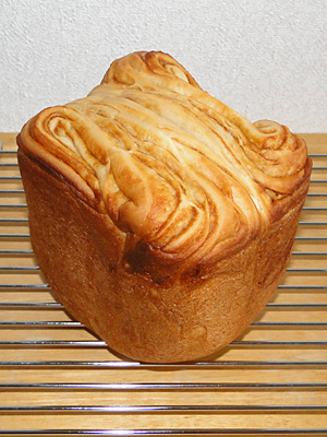 GOPANのパネトーネマザー・キャラメルクリームマーブル食パン