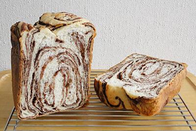 GOPANの白神こだま酵母・シナモンココアマーブル食パンの断面