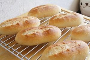 こんがりフランスパン風のお米パンが焼けました