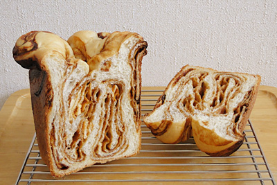 味噌クリームマーブル食パンの断面