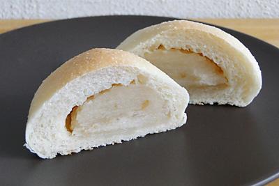 GOPANのお米梅あんパンの断面