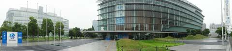 日本未来科学館。左側の建物はフジテレビの湾岸スタジオ。昨年ロケで行きました...