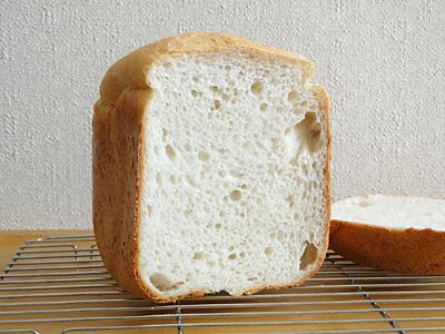 鳥取県産ひとめぼれお米食パンの断面