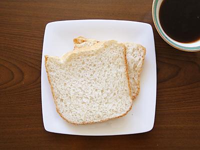 白神こだま酵母お米食パン。もう少しふくれるといいなぁ