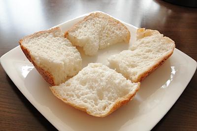 ハツシモお米食パン。美味しいのだけどちょっと後悔