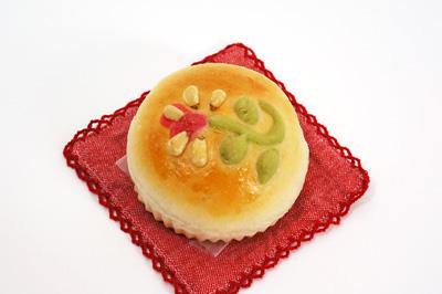 花のモチーフロールパン