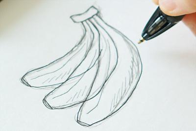 バナナの輪郭は強めに描き、細い線は弱めに描きます