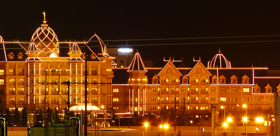 ディズニーランドホテルのイルミネーション