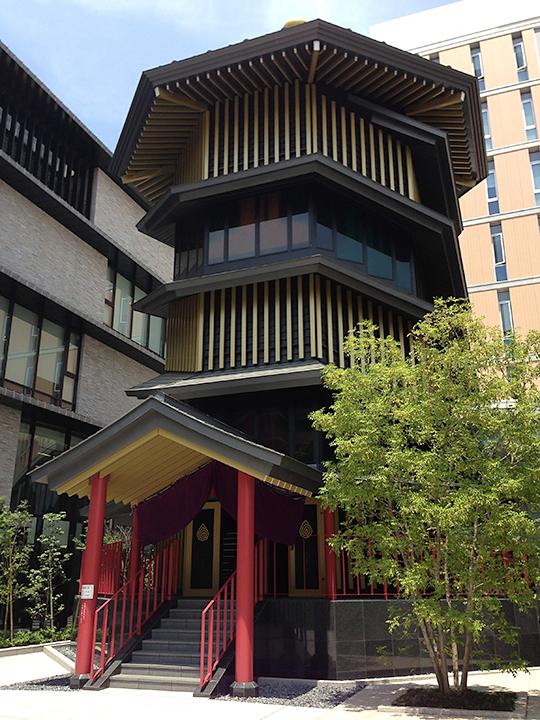 大正大学にある新しい巣鴨の名所「さざえ堂」