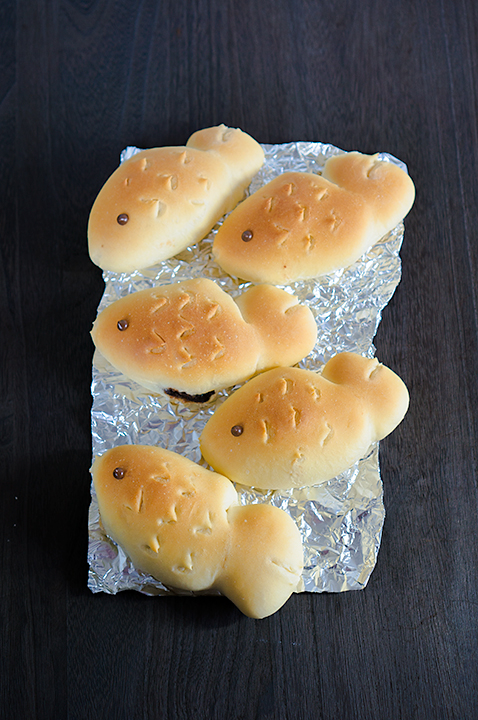 キューブミルクの鯛焼き風金魚あんパン