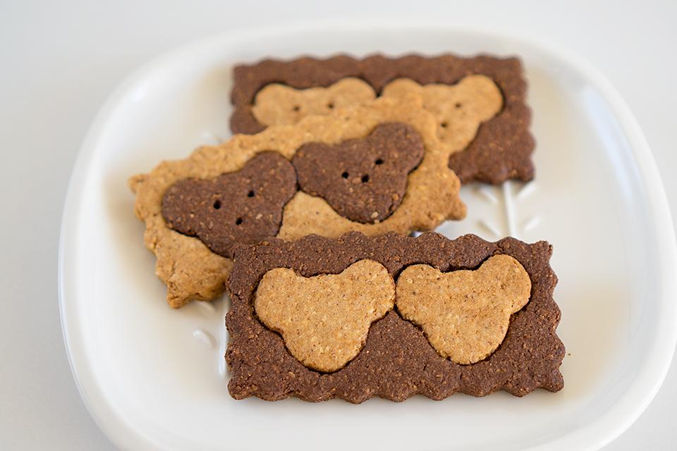アーモンドとココナッツの絞りかすで作ったくまくまクッキー