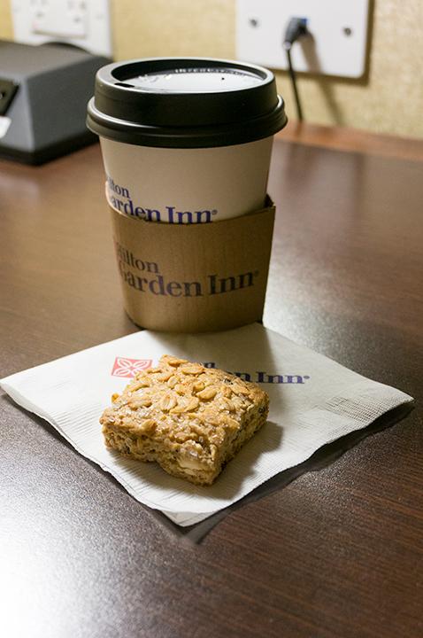 ヒルトン ガーデン イン ニューヨークのコーヒーとクッキー