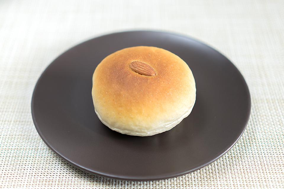 酒粕黒糖クリームパン