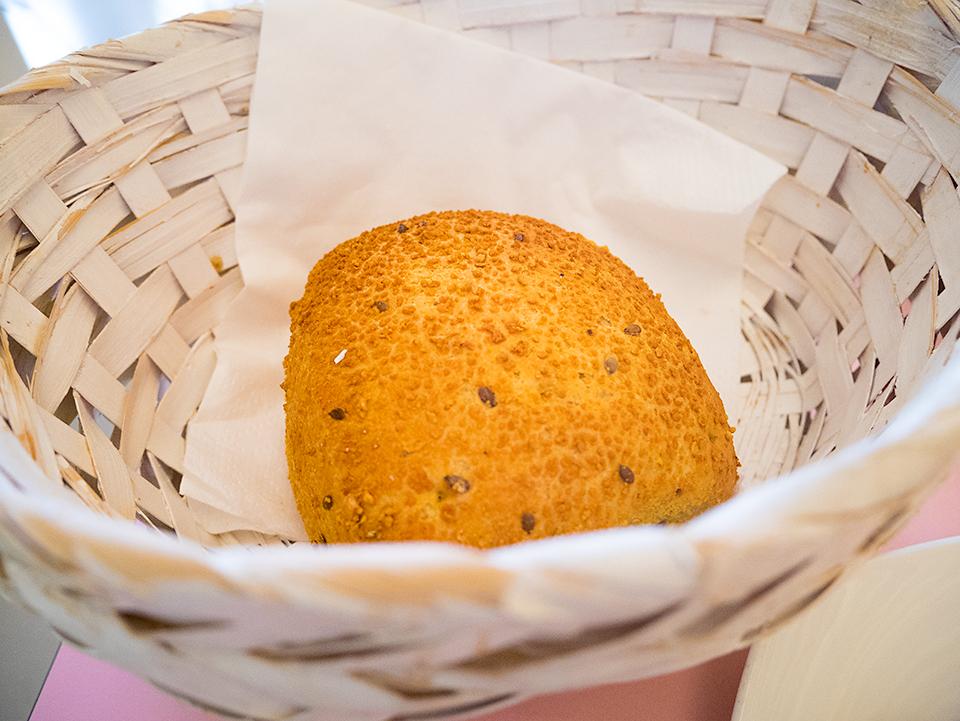 四角いパン。