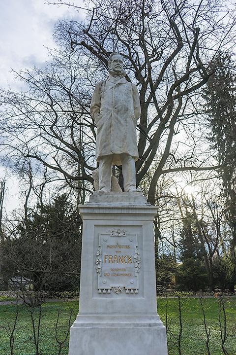 モリッツ·フォン·フランク像。 グラーツのかつての市長で、市立公園を設計したのだそうです。