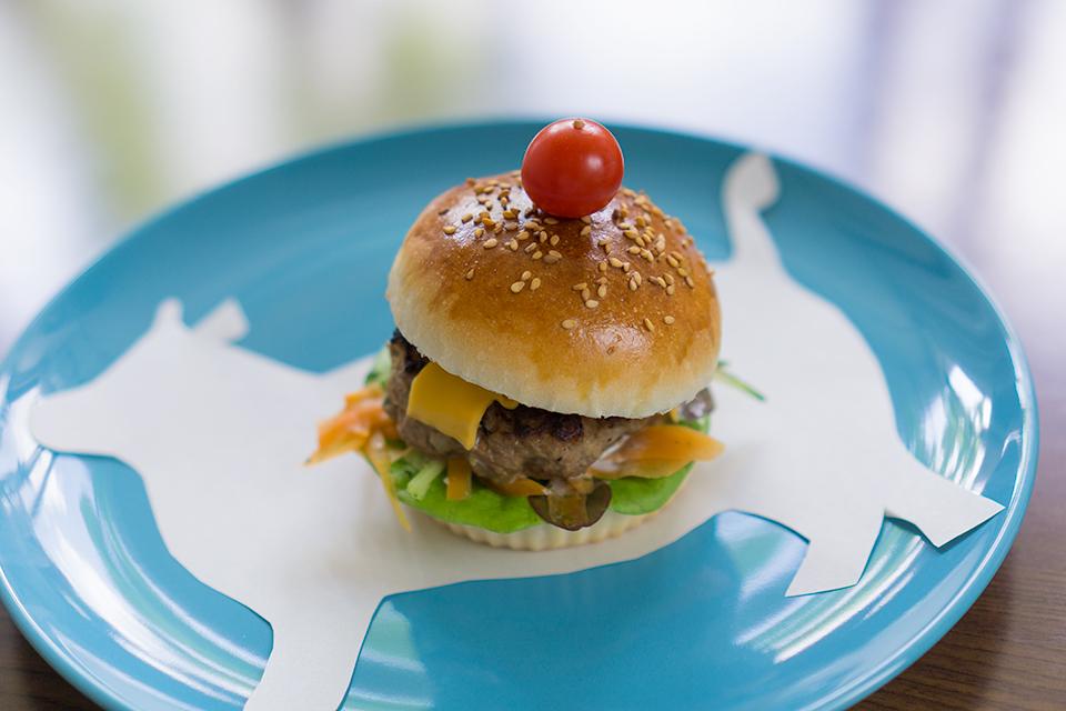 天然酵母の自家製ハンバーガー