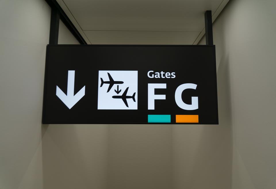 ウィーン空港のゲートF35で乗り継ぎ。