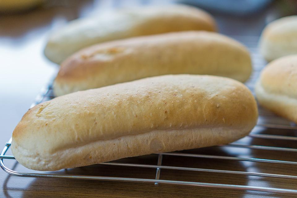 ホットドッグ用のすりごまパン